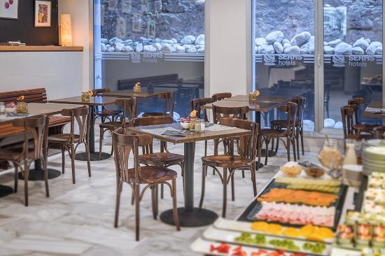 Hotel SERHS Carlit: Breakfast Buffet