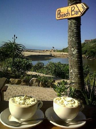 Ramsgate, Sudáfrica: Great cappuchino and setting...wonderful beach vibe. So relaxing.