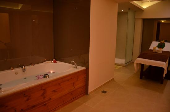 Bali Paradise Hotel: spa
