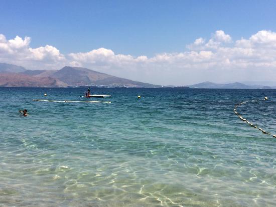 Camayan Beach Resort and Hotel : photo0.jpg