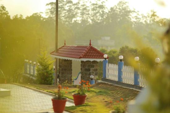 Kuttikkanam, India: IMG-20160418-WA0012_large.jpg