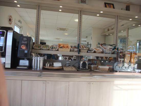 Ace Hotel : Self service breakfast