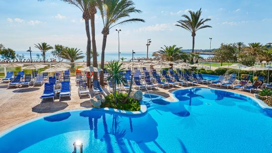 Hipotels Hipocampo Playa Hotel: Pool and Sea