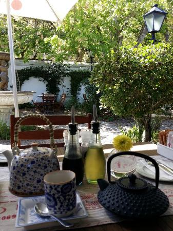 Meade Cafe : Outdoor Seating