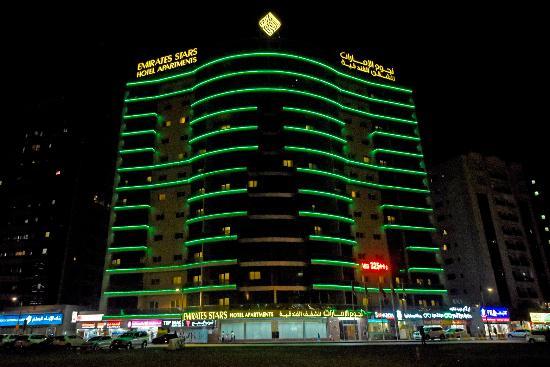 Emirates Stars Hotel Apartments: Hotel Exterior