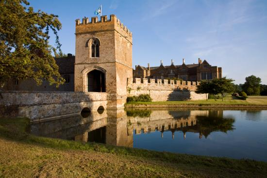 Banbury, UK: The Castle and Gatehouse