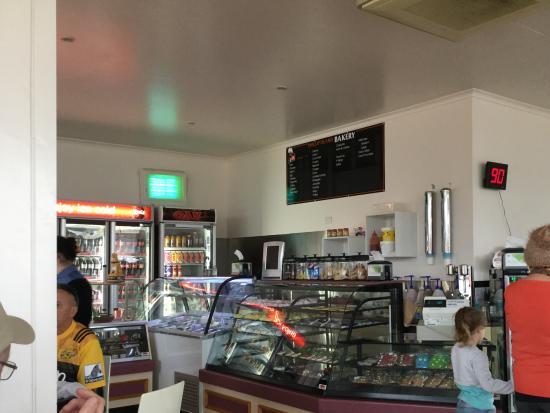 Cowes, Australia: Inside the Phillip Island Bakery