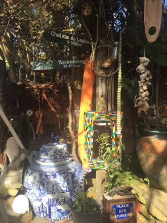Victoria Bay, Südafrika: Trinkets and treasures adore the property