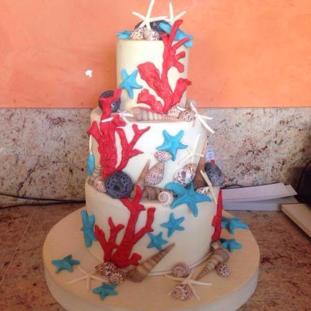 Torta tema mare interamente realizzata a mano per la for Decorazioni torte tema mare
