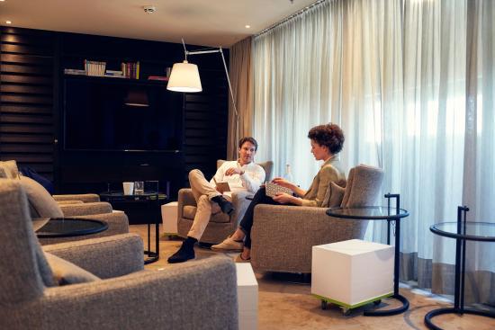 Garching bei Munchen, Niemcy: MEET TWO
