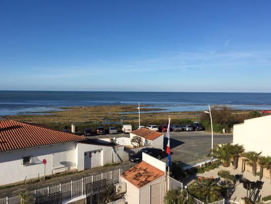 Saint-Pierre-d'Oleron, Frankrike: Vue du balcon de la chambre le matin à marée basse...