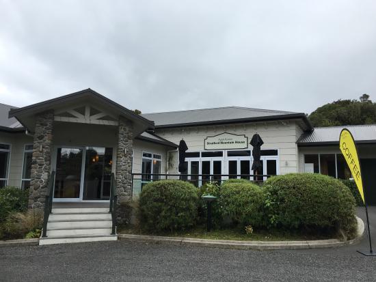 Ngati Ruanui Stratford Mountain House Hotel