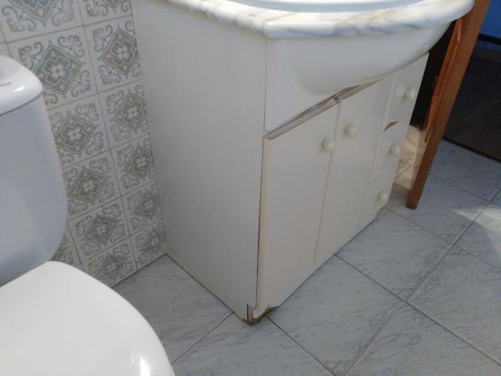 Hotel Kaype - Quintamar: Mueble en mal estado