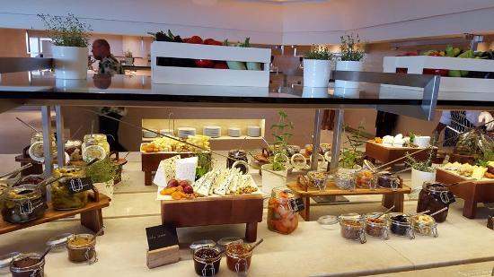 Nea Moudania, Grecja: Lunch buffet - Flavors restaurant
