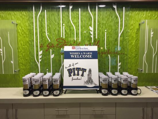 Beautiful touches for PITT Graduation! P-I-T-T, Let\'s go PITT ...