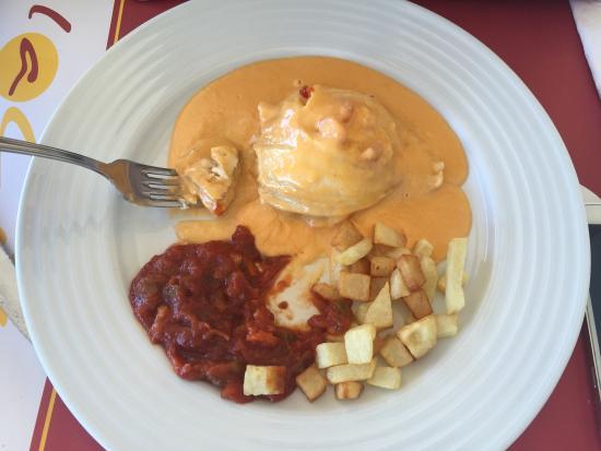 La Cita: Llevo tiempo viniendo a este restaurante ubicado en el paseo marítimo de Roquetas y se come muy