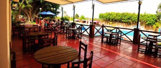 Foto de restaurante makaton huaral piscina tripadvisor for Alberca restaurante