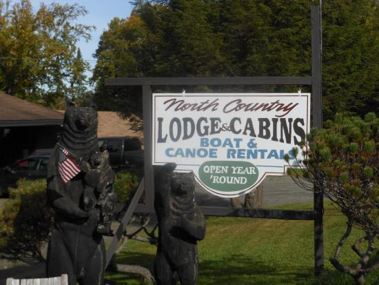 Pittsburg, Nueva Hampshire: Welcome to North Country Lodge and Cabins on Back Lake
