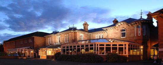 Bothwell Bridge Hotel: Beautiful Victorian Hotel in the Heart of Historic Bothwell