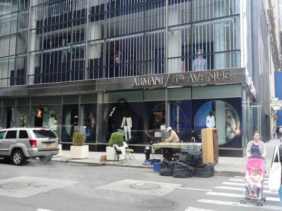 Loja Armani localizada na 5 avenida - Foto de Fifth Avenue, Nova ... c3728bf082