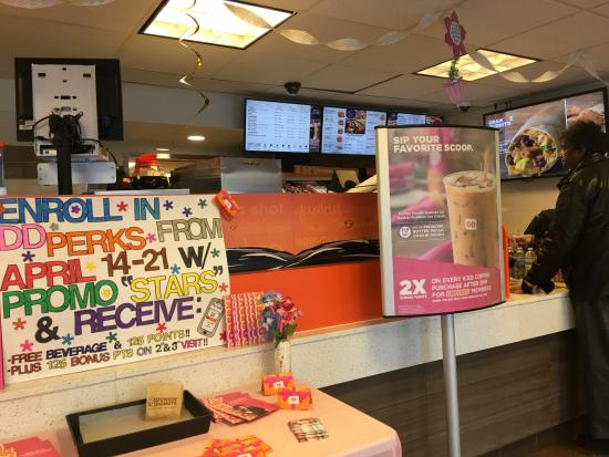 Dunkin' Donuts: Interior del local