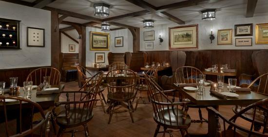 hart pub picture of the english room lake forest tripadvisor