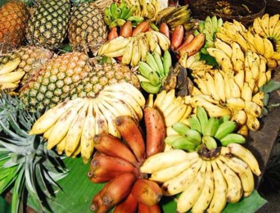 Βικτώρια, Σεϋχέλλες: Banana & Pineapples