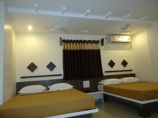 Hotel Sai Balaji : ac room