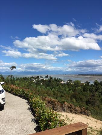 Bayview Bed & Breakfast: In Feb 2016 we had 2 wonderful nights to stay. Tui and Gordon are wonderful hosts. We would love