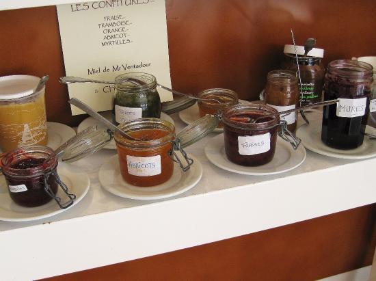 Hotel De La Poste - Annexe Champanne : Die selbst gemachten Marmeladen, die meine Frau so liebt; Spezialität: Marmelade aus grünen Lins