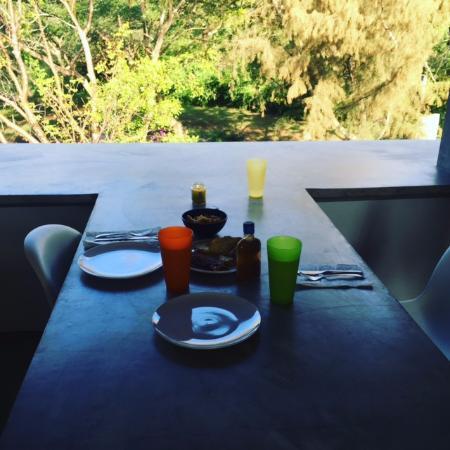 Hix Island House: daily breakfast set up
