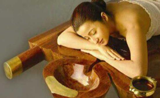 Keraleeyam Ayurvedic Resort: Ayurveda Massage