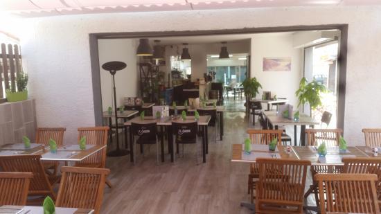 Le jardin vias 1115 avenue de la mediterranee for Restaurant le jardin vias
