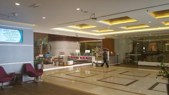 โรงแรมฟลอร่าแกรนด์: 20160502_122133_large.jpg