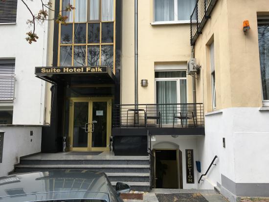 select falk suite hotel frankfurt almanya otel. Black Bedroom Furniture Sets. Home Design Ideas