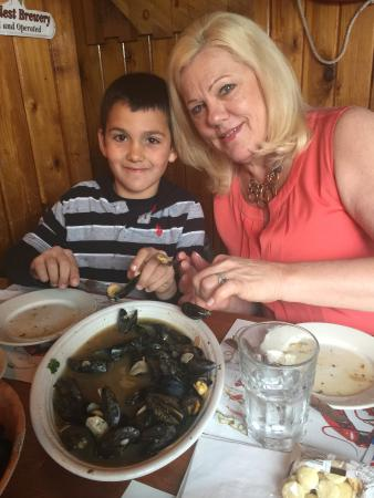 Nicky's Clam Bar: Mussels for all!