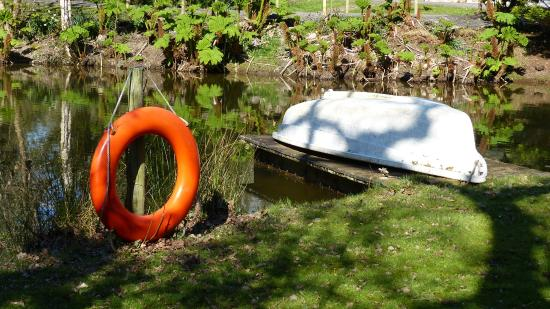 شيكارا هاوس: The boating lake