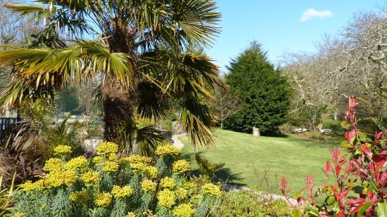 شيكارا هاوس: Outstanding gardens