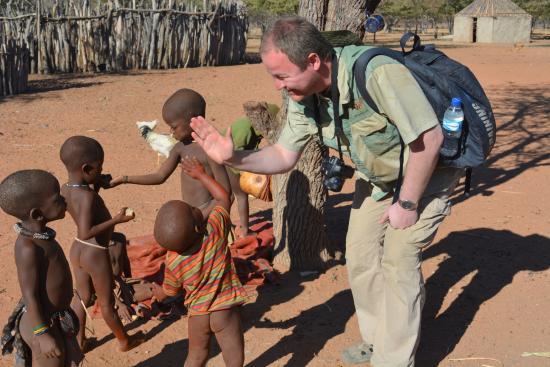 Kamanjab, ناميبيا: детки Химба