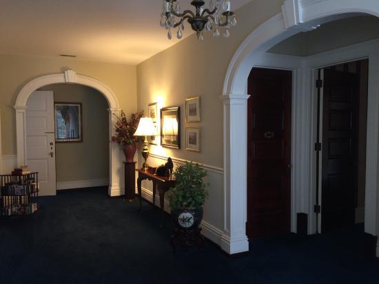 Georgian Manor Inn - B&B: Wonderful weekend stay with friends.