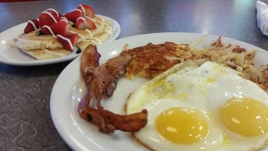 Denny's: Breakfast
