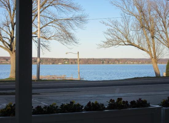 Mayville, نيويورك: View of Chautauqua Lake from the parking lot