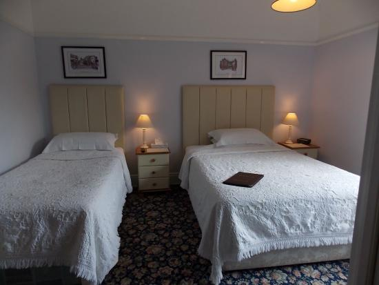 Mayfield Guest House: Rm.2 Twin/Double