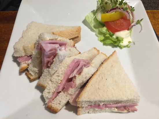 The Wheatsheaf in Wensleydale: Ham sandwich