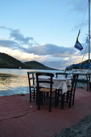 Σύβοτα, Ελλάδα: 12 Θεοι