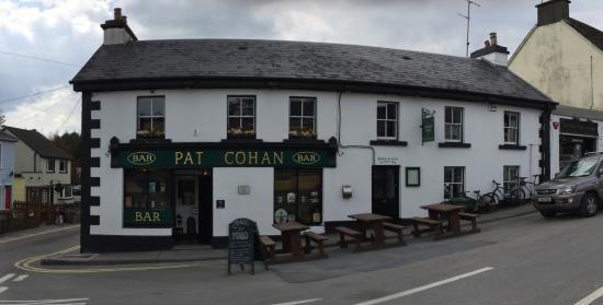 Cong, Irlanda: Outside of the Bar