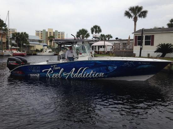 ‪Reel Addiction Charters‬