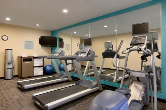 Fairfield Inn & Suites Bismarck North: Fitness Center