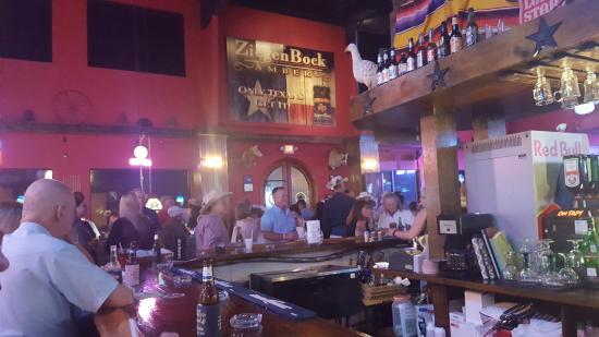 Richmond, Техас: At the bar