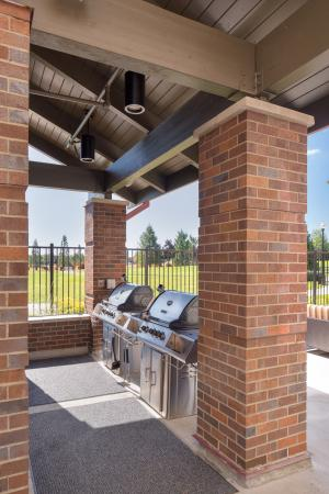 Vancouver, WA: Outdoor Grilling Station